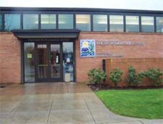 Super 8 Wilsonville: Wilson Chamber of Commerce/Visitors Center