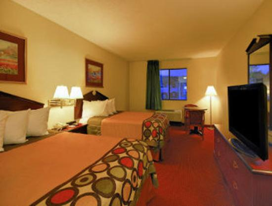 Super 8 Clinton : Two Double Bed Room