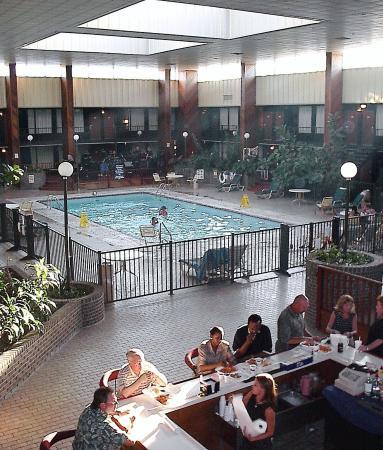 Diamondhead Inn Suites Atrium