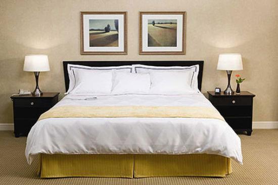 DoubleTree by Hilton Hotel Boston - Rockland: Guest Room