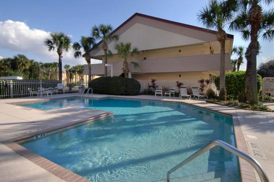 Red Roof Inn Orlando - International Drive/Convention Center: Pool