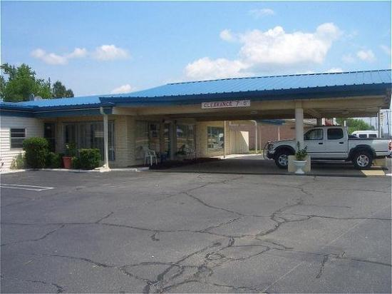 Photo of Relax Inn Benton