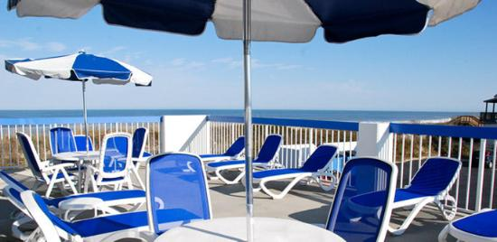 Holiday Inn Express Nags Head Oceanfront: Nags Head Inn Outer Banks Hotel Deck