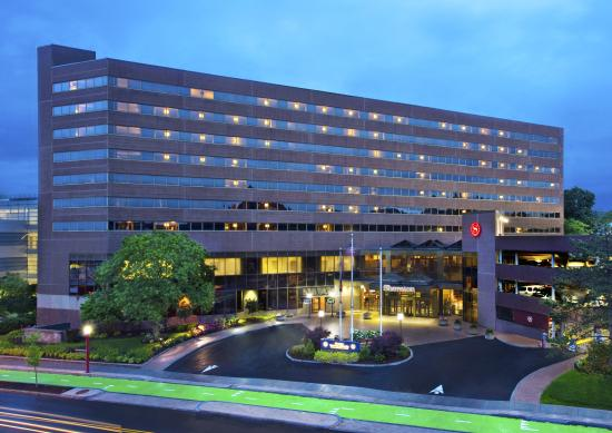 Sheraton Syracuse University Hotel & Conference Center: Hotel Exterior