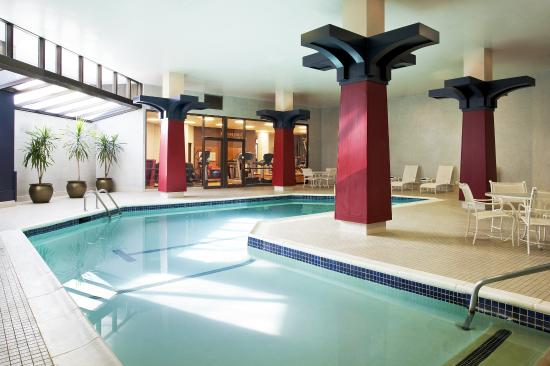 Sheraton Syracuse University Hotel & Conference Center: Indoor Heated Pool