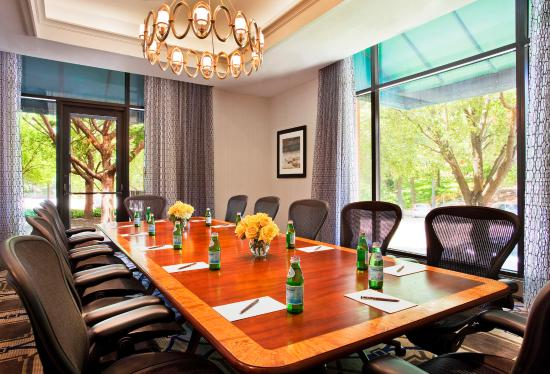 Sheraton Philadelphia Society Hill Hotel: Board Room