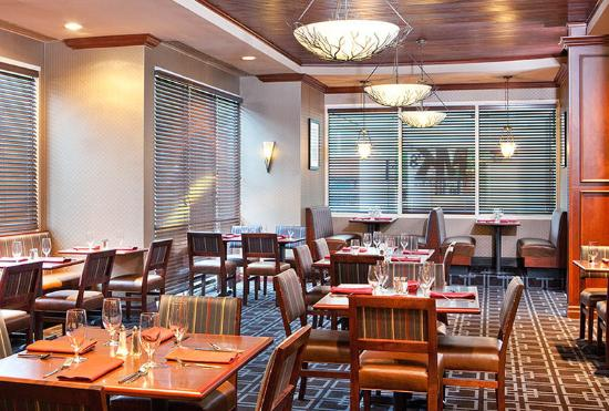 Four Points by Sheraton Knoxville Cumberland House: MK's Restaurant