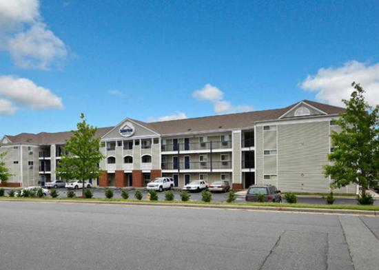 Suburban Extended Stay Charlotte-Pineville : Other Hotel Services/Amenities