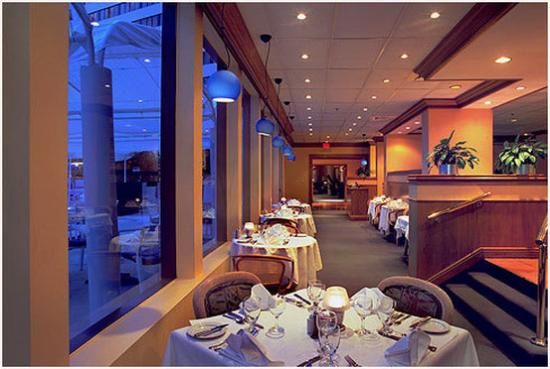 Washington Plaza: Restaurant
