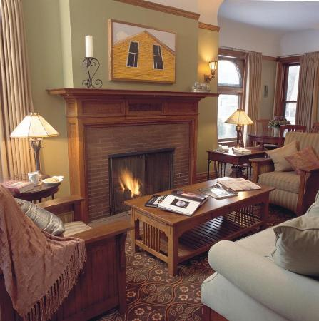 Inn on Ferry Street: Scott House Parlor