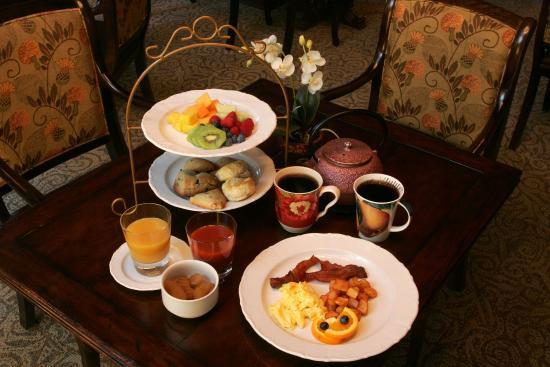The Martha Washington Inn and Spa: Restaurant