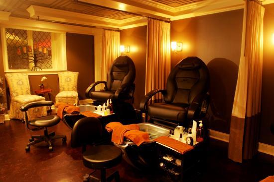 The Martha Washington Inn and Spa: Pedicure