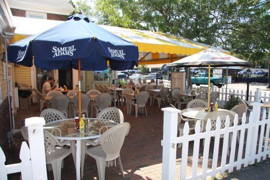 Cape Cod Inn: Restaurant Daytime