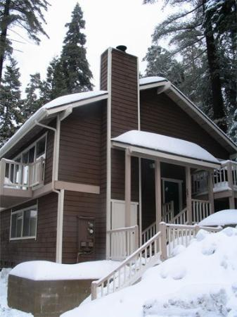 Lake Arrowhead Chalets: Exterior View