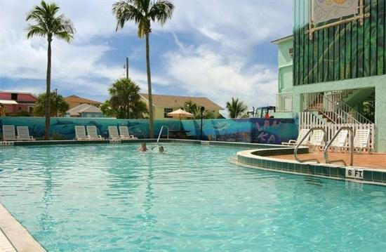 Lani Kai Island Resort: Pool View