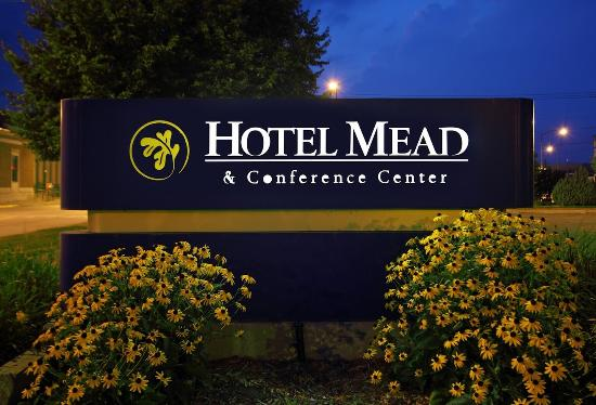 Hotel Mead & Conference Center: Exterior