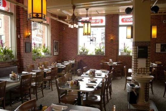 أثينيوم سويت هوتل: Fishbones Rhythm Kitchen Cafe