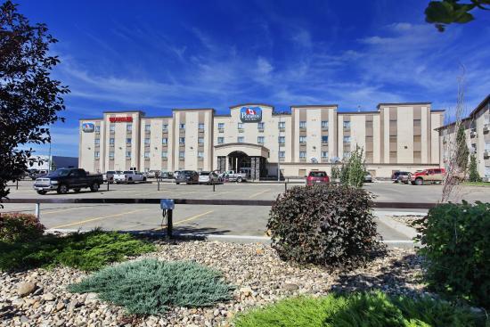 Holloway Inn & Suites: Pomeroy Inn &Suites ,Grande Prairie