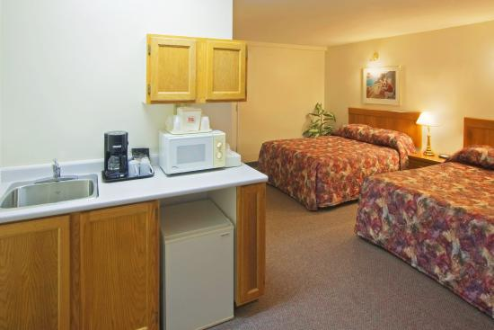Econo Lodge And Suites St John