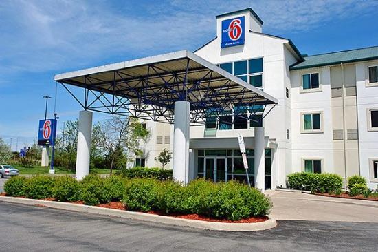 Motel 6 Toronto Brampton: Exterior