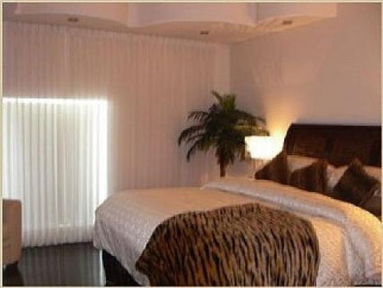 Hotel Kutuma: Other