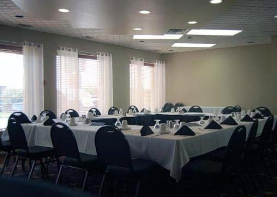 Quality Inn West Edmonton: Meeting Room