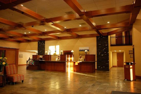 Deerfoot Inn and Casino : Lobby
