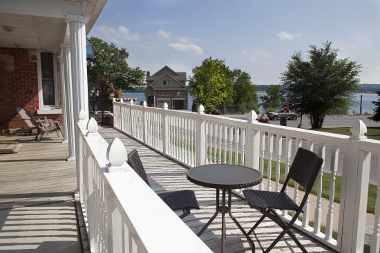 The Harbour View Inn