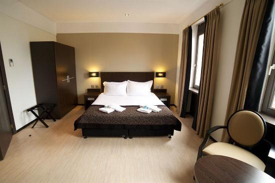 Floris Ustel Midi: Guest Room