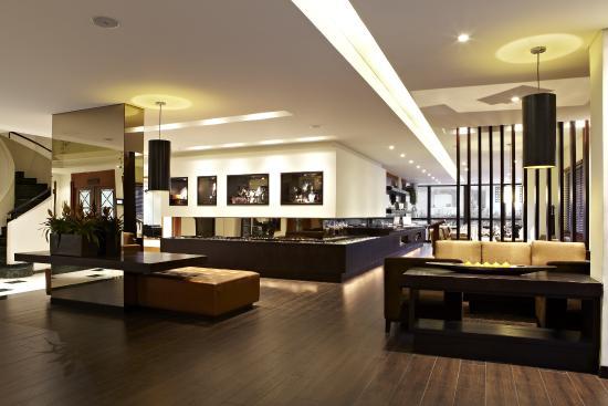 101 Park House: Lobby