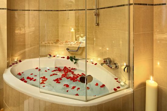 Grand Hotel Bohemia: Bathroom - wedding set up