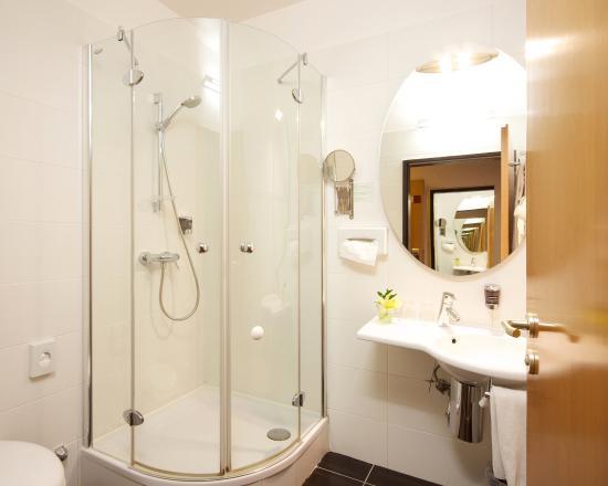 Ambra Hotel: Guest Bathroom