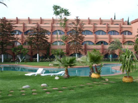 Zaki Hotel: Exterior
