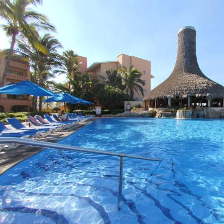 Torres Mazatlan Resort: Pool