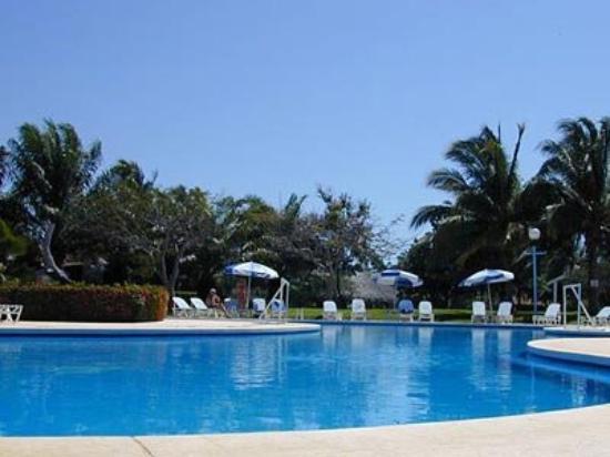 Parador Del Sol Acapulco: Pool