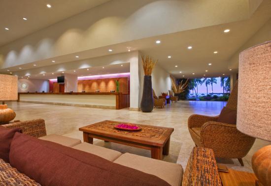 Sheraton Buganvilias Resort & Convention Center: Puerto Vallarta Lobby Reception