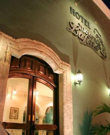 Hotel Maison del Embajador: Exterior View
