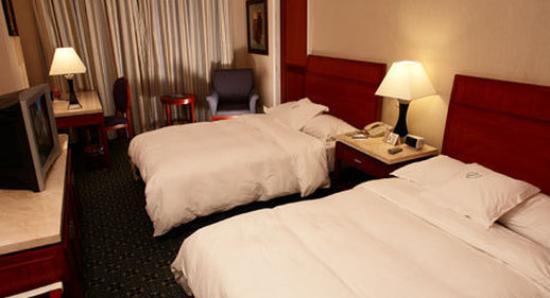 Veneto Hotel & Casino: Guestroom