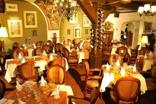 El Condado Miraflores Hotel & Suites: Restaurant