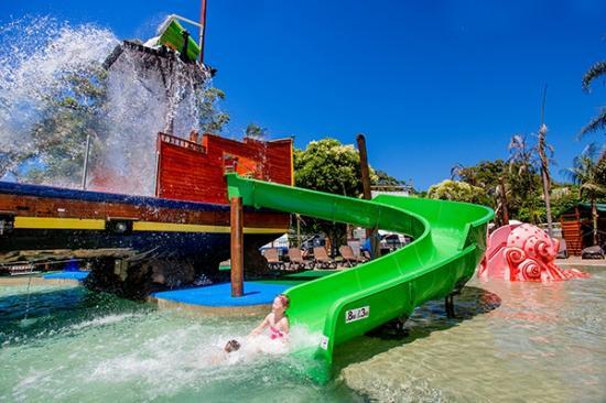 ship wreck island water park