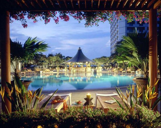 โรงแรมแฟร์มอนท์ สิงคโปร์: Outdoor Pool