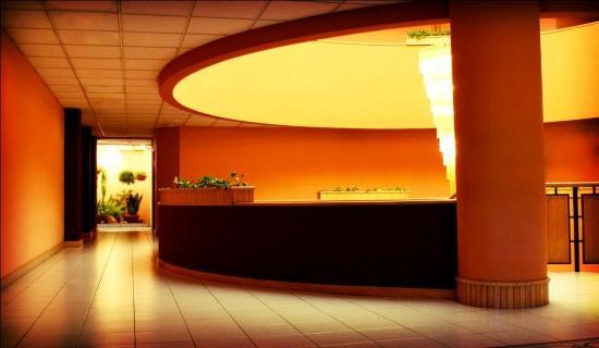 Best Western Plus Hotel Terraza: Frontdesk
