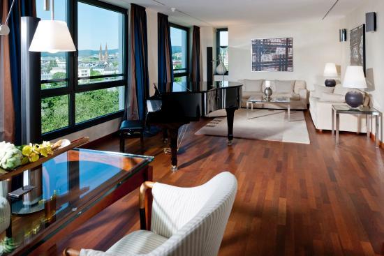 Dorint Pallas Wiesbaden: Guest room