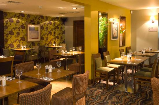 Premier Inn London Kensington (Earl's Court) Hotel: Restaurant