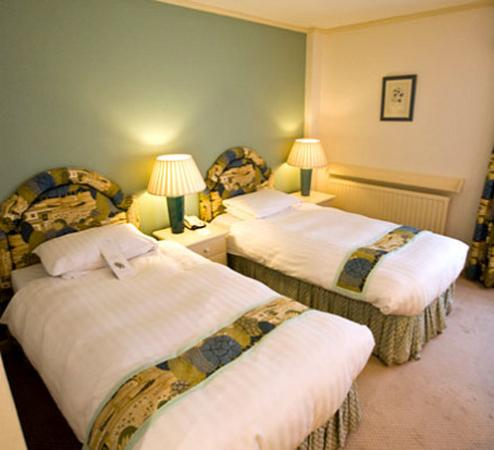 Cotswold Lodge Hotel: Guest Room