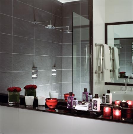 Malmaison Hotel: SuiteBathroom