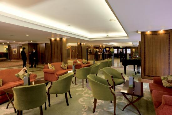 Thistle Westminster: Lobby View