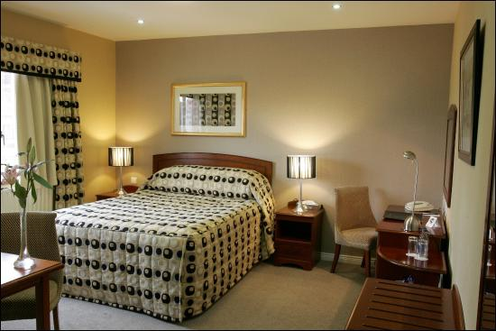 Malone Lodge Hotel & Apartments: Classic Room Use This One