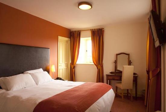 Falcon Hotel: Guest Room