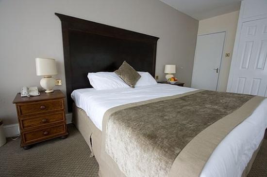 Photo of The Warren Lodge Hotel Shepperton